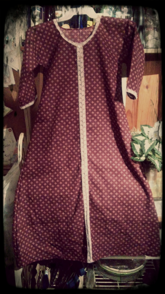 Full size view of the nightgown...